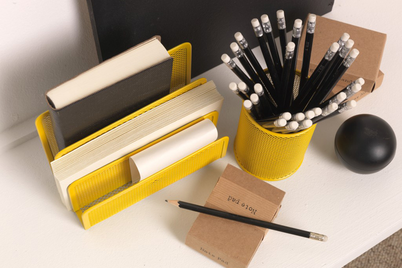 yellow_stationary
