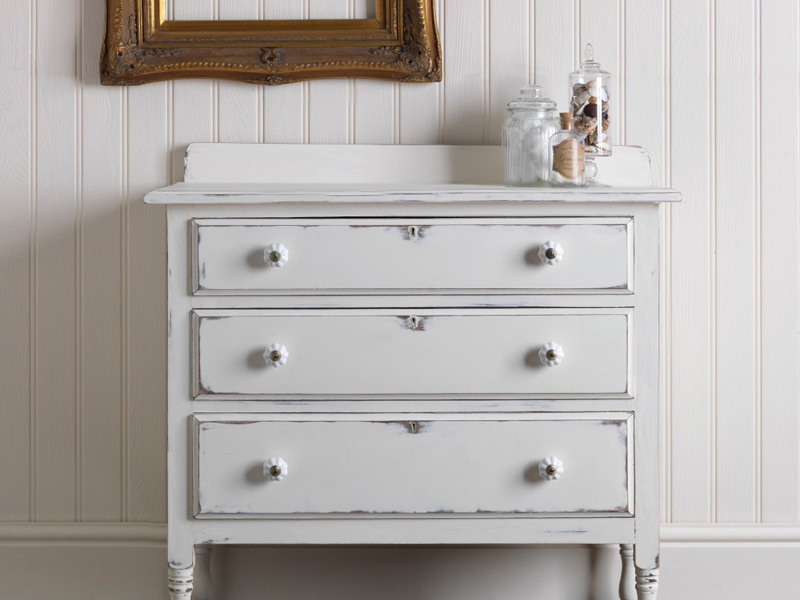 A Shabby Chic Furniture Makeover. Get The Shabby Chic Look