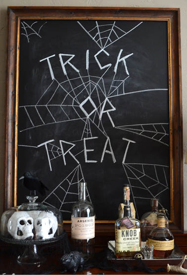 5 TERRIFYING TRICKS FOR HALLOWEEN DECORATIONS