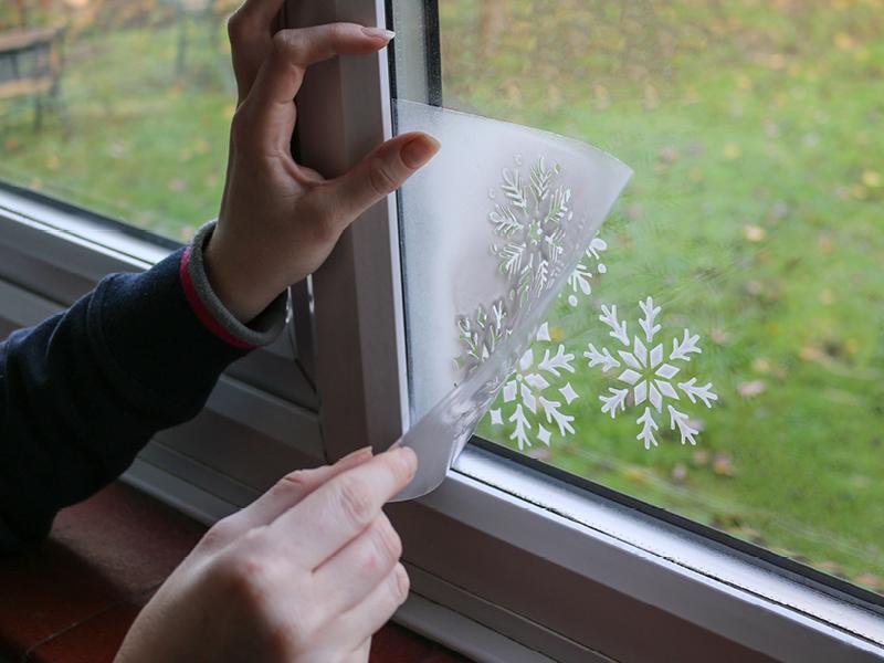 How to create snowflake window decals - Rustoleum Spray Paint