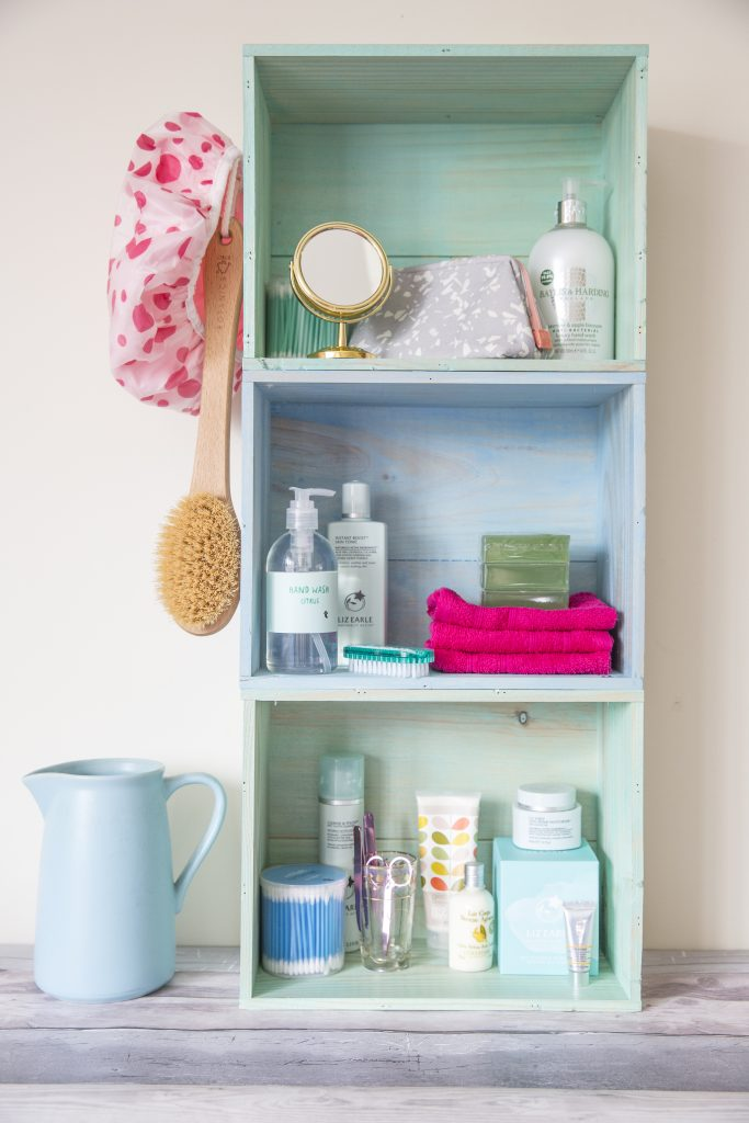 How to create bathroom crate shelves featuring Rust-Oleum Colour Wash Paint