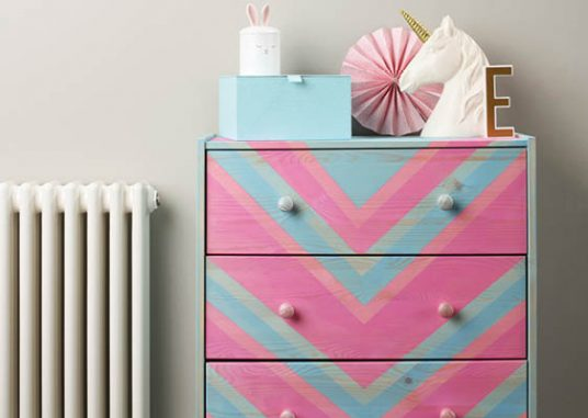 Create chevron drawers with Rust-Oleum Colour Wash