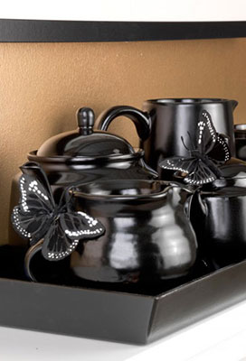 Project Inspiration: Turn Old Teapots Into An Ornamental Tea Tray
