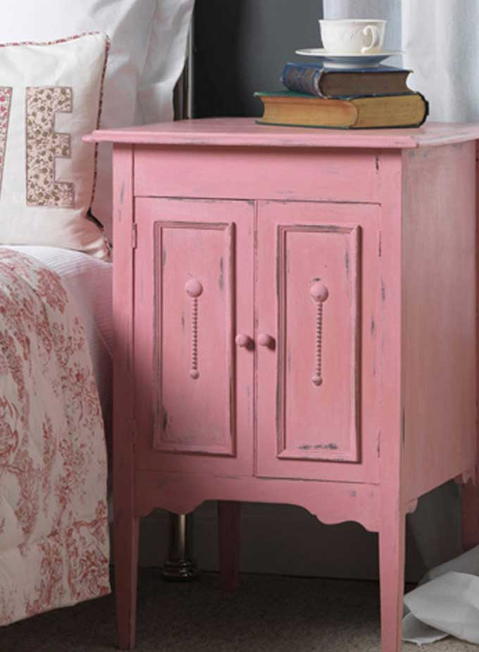 A Shabby Chic Furniture Makeover