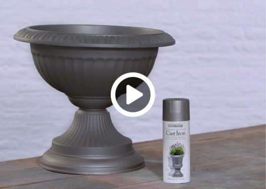 how-to-spray-paint-a-plastic-planter