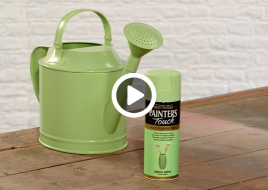 how-to-spray-paint-a-watering-can