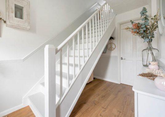 Cora-Staircase-LargeThumbnail-2